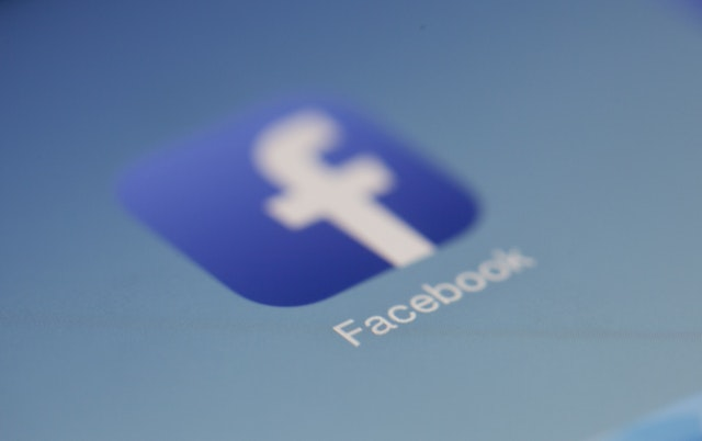 Experts Think Facebook Should Be Paying Publishers